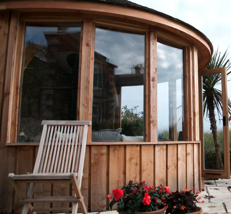 Thehut Home Office: Windows On The Curve