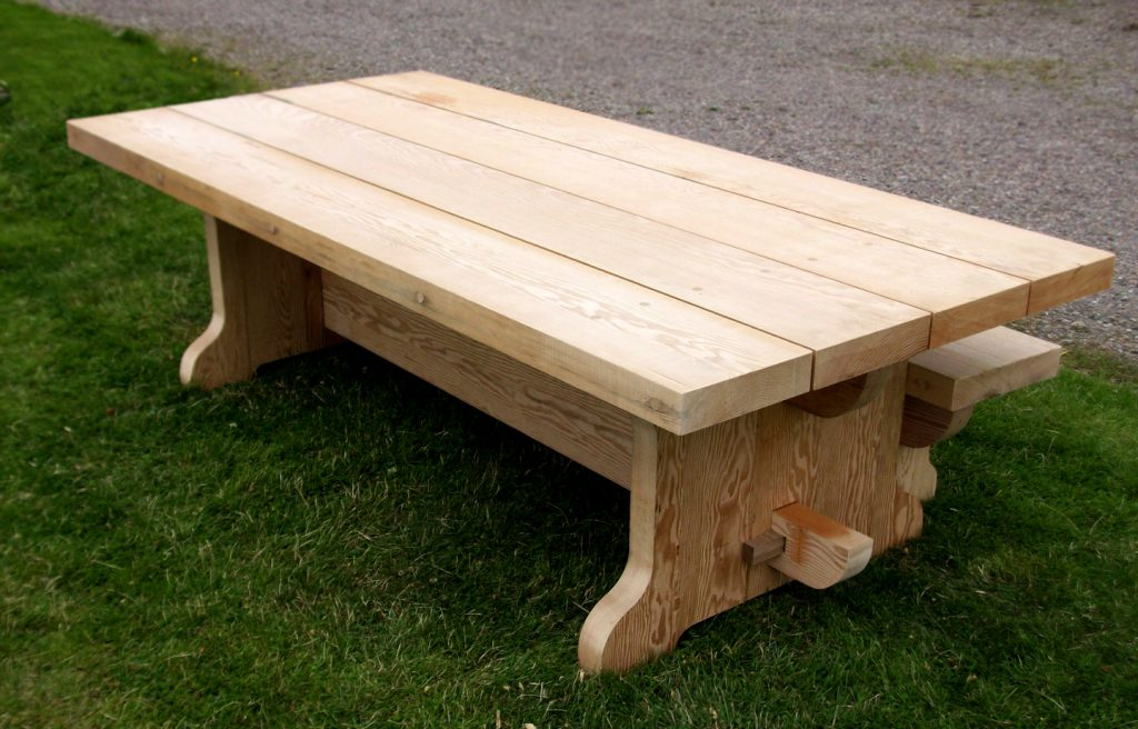 Tradtional banquet table solid wood medieval style